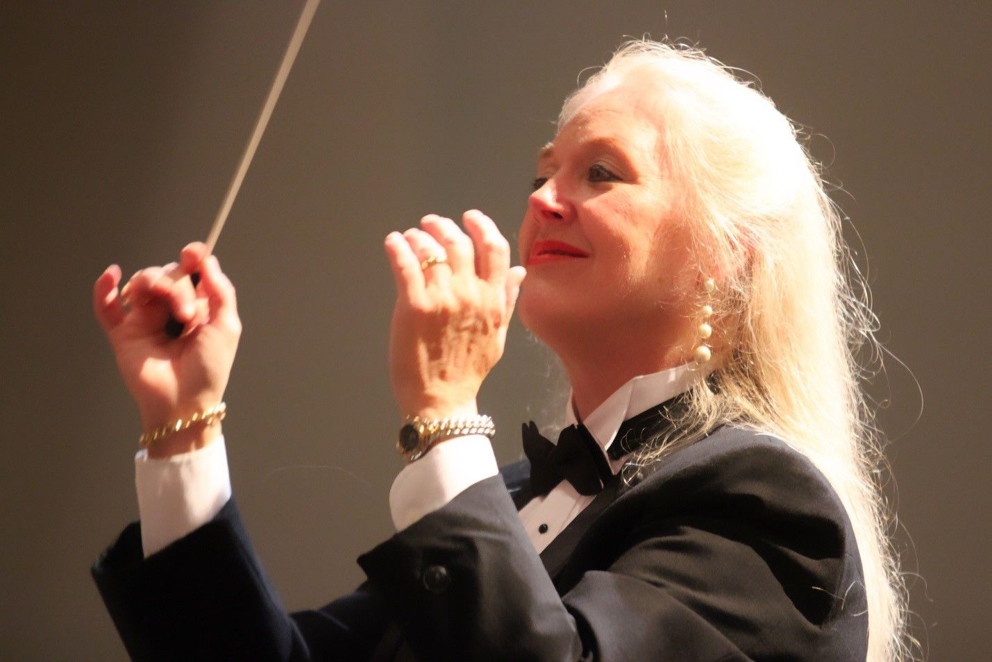 Photo of conductor Sonja Sepulveda