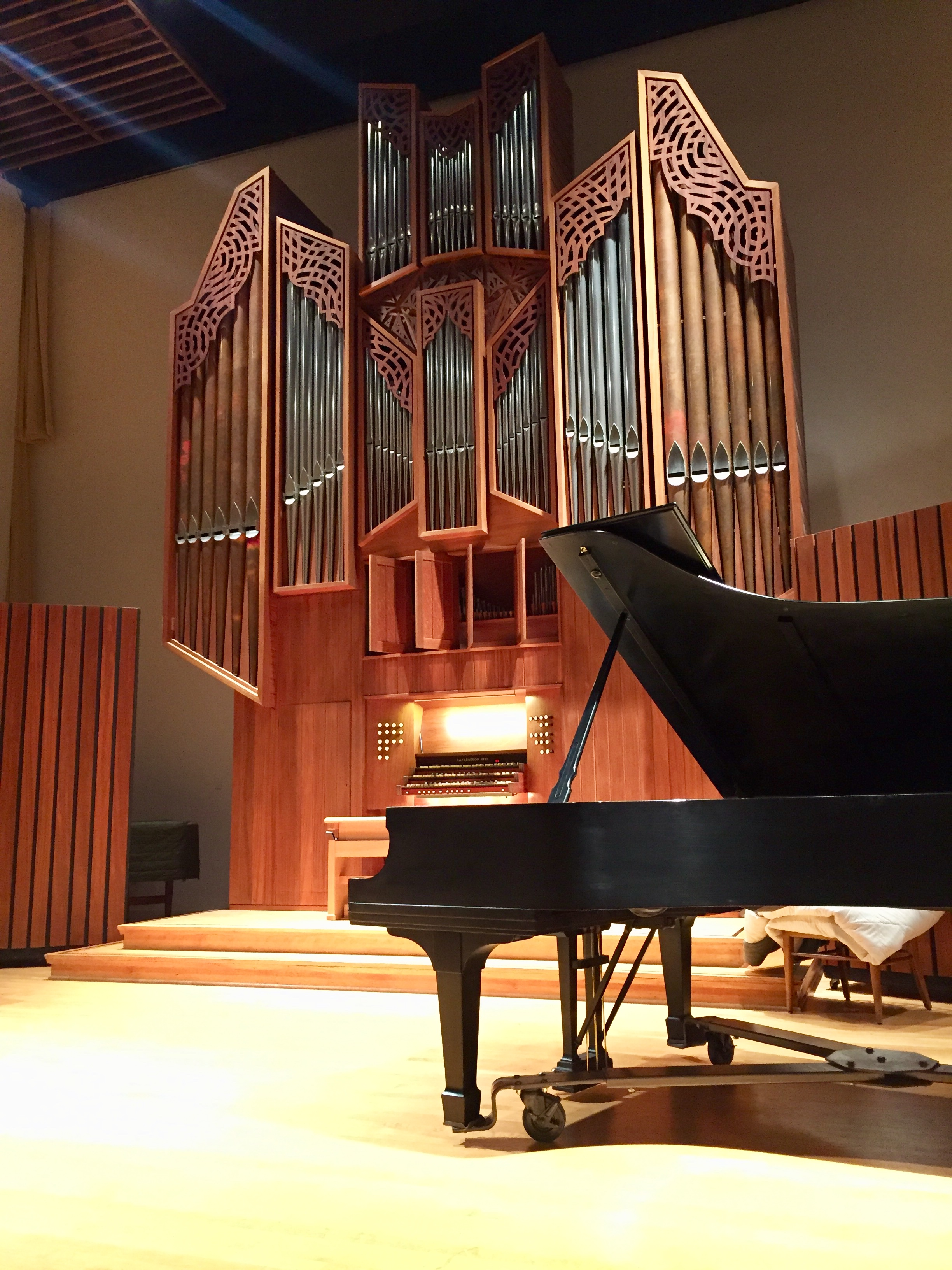 Flentrop Organ behind a Steinway Grand Piano