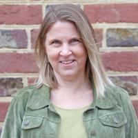 headshot of Traci Porter
