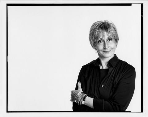 black and white photo of Twyla Tharp in artistic black frame