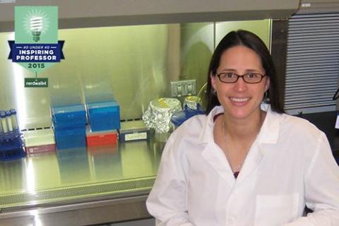 40 under 40 - Inspiring professor photo of Dr. Laura Watts