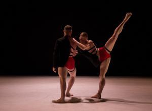 Photo of 10HL dancers performing